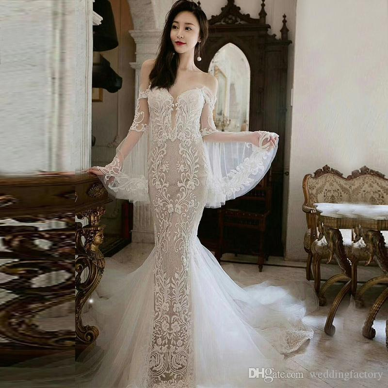 Elegante abito da sposa cinese Sheer maniche a campana al largo della spalla Charming morbido pizzo sirena di Tulle Abiti da sposa