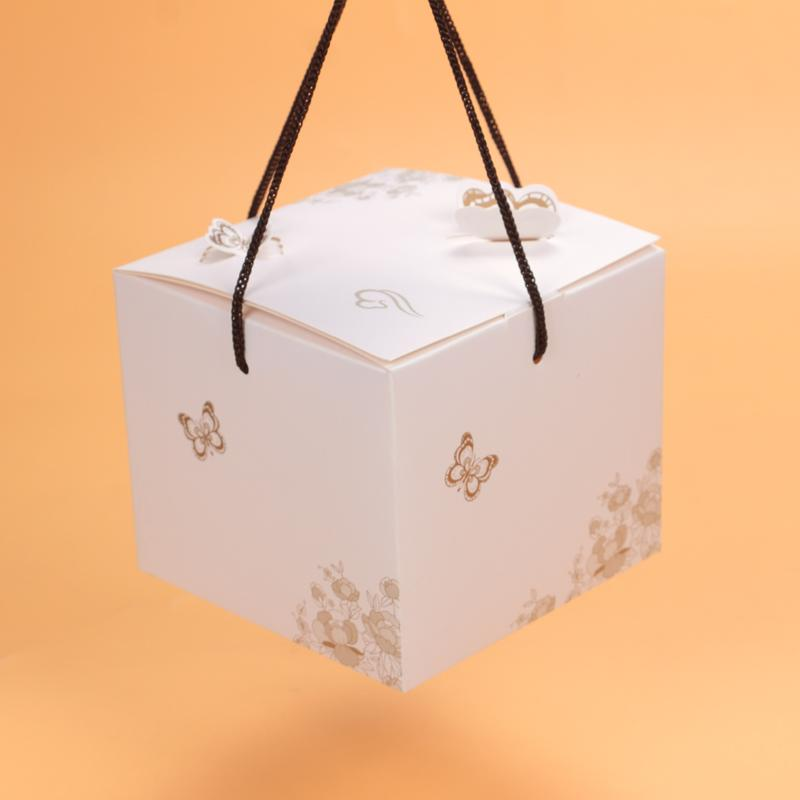 30pcs White Handle Paper Box Small Sweet Candy Box Cookie Containing Sugars Favors Event Party Gift Bags