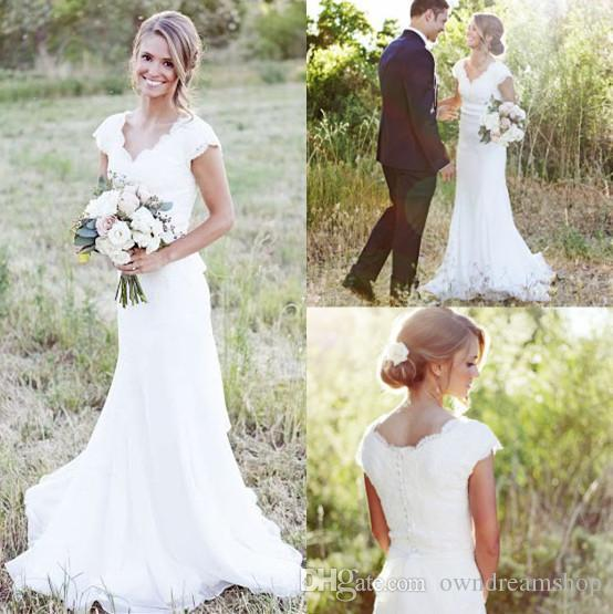 2019 Elegant Plus Size Country Lace Wedding Dresses Mermaid V Neck Cap Sleeve Modest Wedding Bridal Gowns Boho Beach Covered Button Cheap