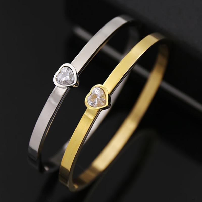 2020 Новая мода свежий блестящий бриллиант в форме сердца гладкая сторона открытый браслет для подруги подарок на День Рождения оптом