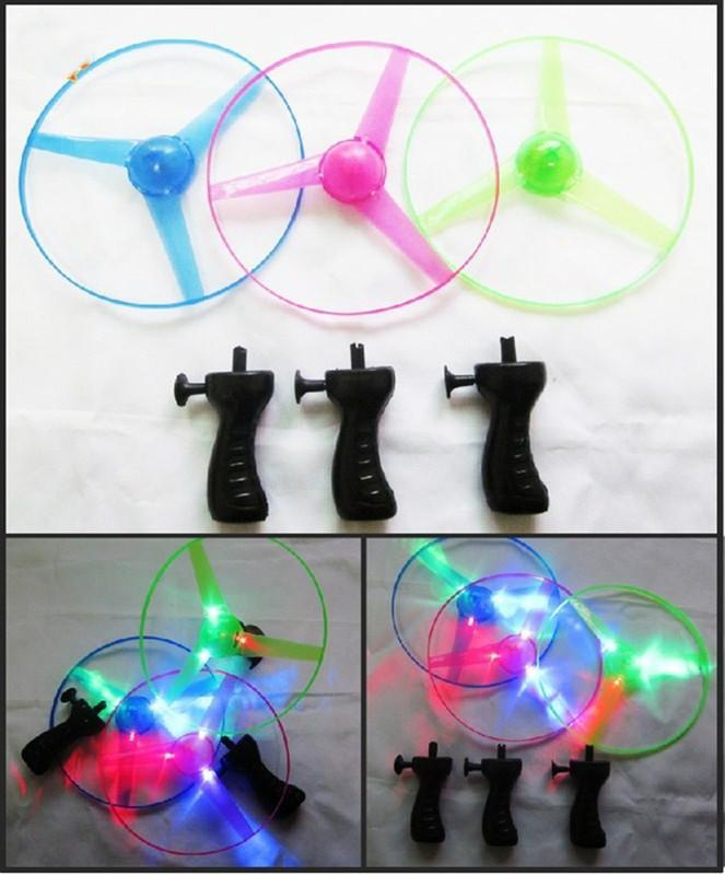 Colorful Pull String UFO Colorful LED Light Up Flying Saucer Disc Kids Fly Toys