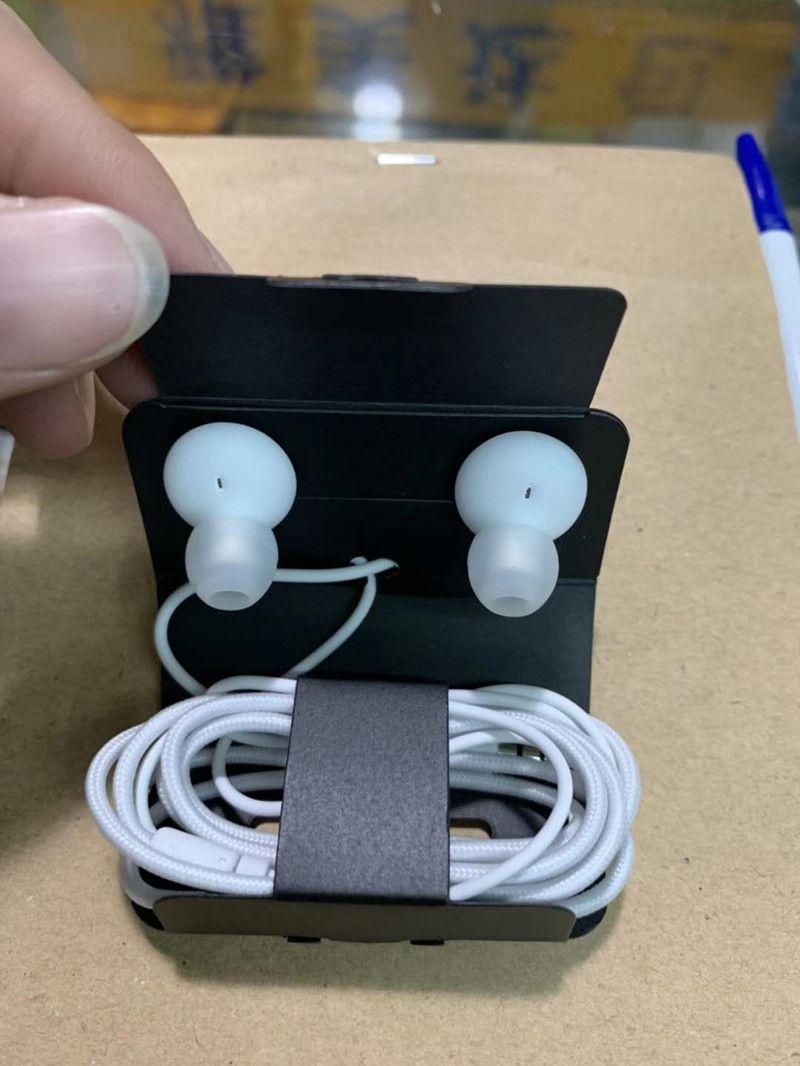 S10 más reciente es 100% genuina del OEM en la oreja los auriculares estéreo de 3,5 mm para auriculares Auriculares Auriculares con mando a distancia Mic para Samsung S10 S9 S10E