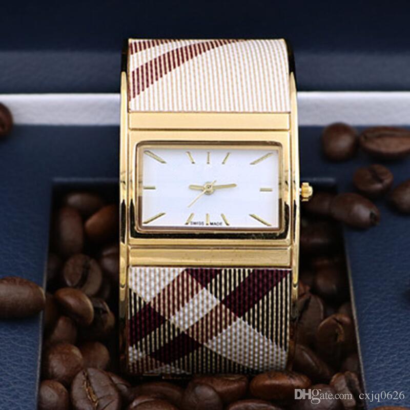 레이디 여성 mujer 선물 시계를 팔찌 relojes를보고 들어 2019 고품질의 새로운 도착 여성 드레스 시계 골드 된 Fahion 스틸 손목 시계 석영