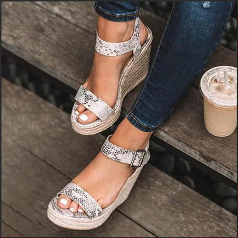 Espadrilles Zapatos Mujer Chaussures pour dames Femme Chaussure Femme Wedge Sandales d'été Pompes Croix-attachées Hauts talons plate-forme Sandalia