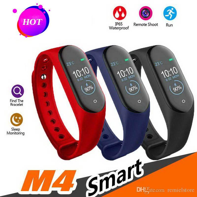 Moniteur de pression artérielle de fréquence cardiaque M4 Smart Band Smart Bracelet Sport Montre intelligente Health Tracker Fitness Tracker Bracelet 0,96 pouce IP67 Étanche
