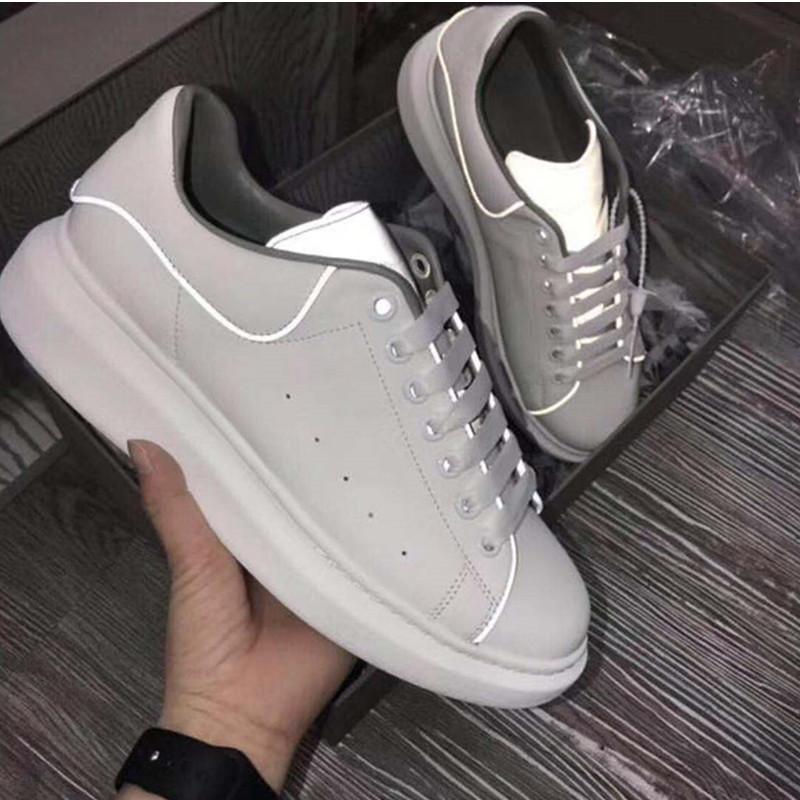 Ucuz En İyi Erkek Casual Ayakkabı Erkek Bayan Moda Sneakers Parti Parlak Yansıtıcı 3M Beyaz Günlük Ayakkabılar Platformu Sneakers