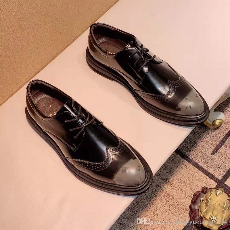 En Colombie-Tide Restauration des hommes anciens Façons de modèles ou dessins sur Carve Boiseries affaires sont Nib Loisirs Chaussures à lacets