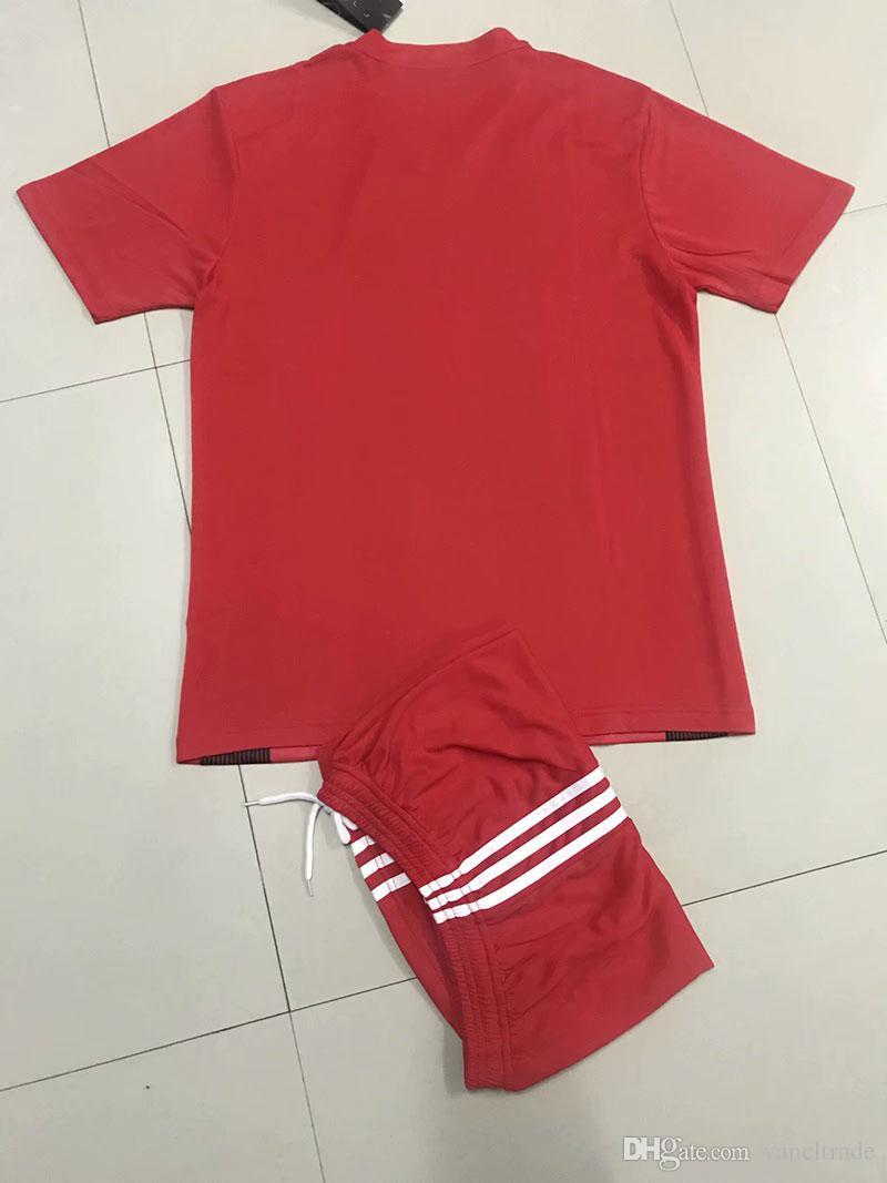 Şort B44-16 ile toptan Özelleştirilmiş erkekler Futbol Üniformalar erkek kitleri Spor giysiler eşofmanlar İndirim Ucuz oğlan Futbol Takımları tepelerini