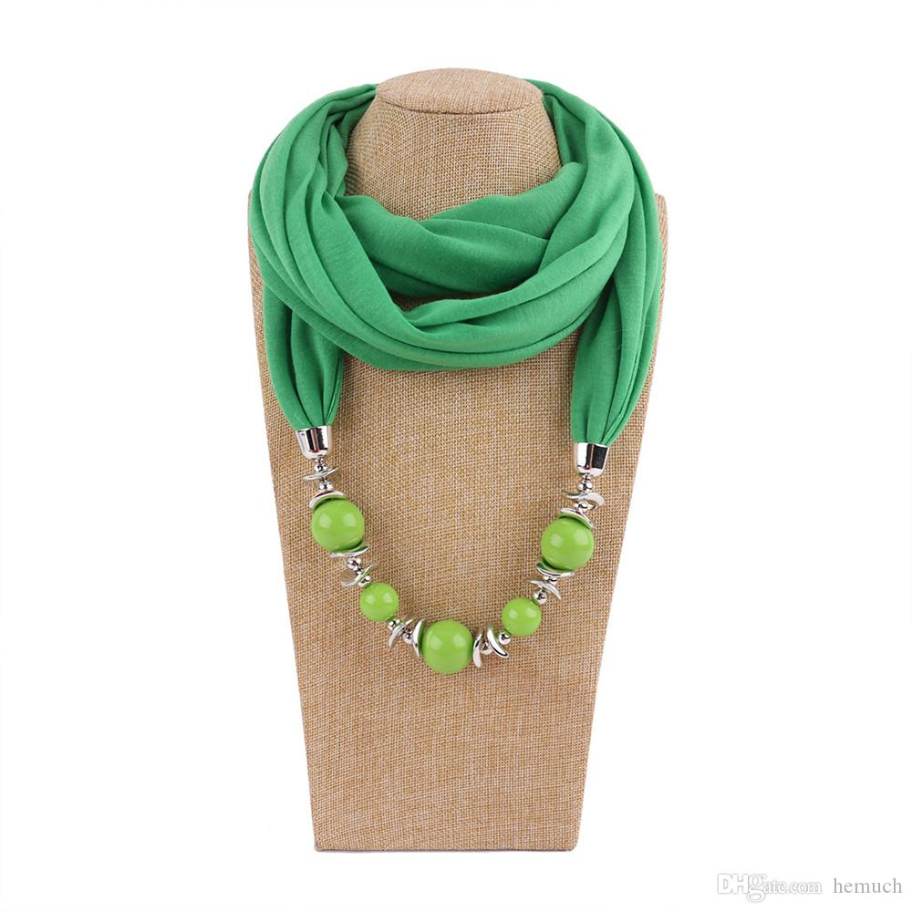 collier femme hijab