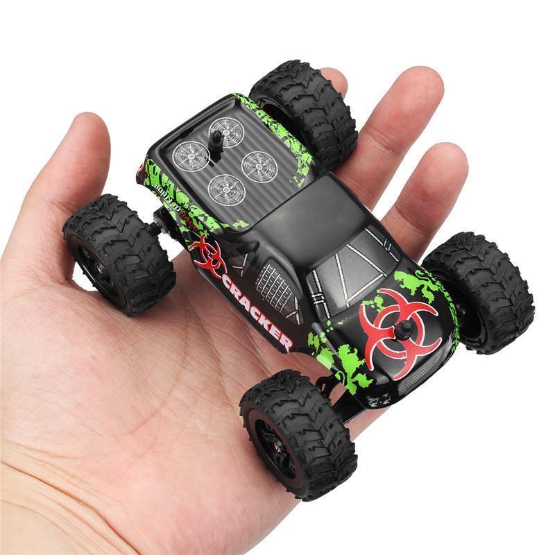 01:32 4CH 2.4GHZ ل2WD RC راديو السيارة آلة صغيرة وسيطروا على سيارة على الطرق الوعرة سيارة النموذجي ارتفاع سرعة 20KM ح تسلق سيارة ألعاب تركيب Y200317