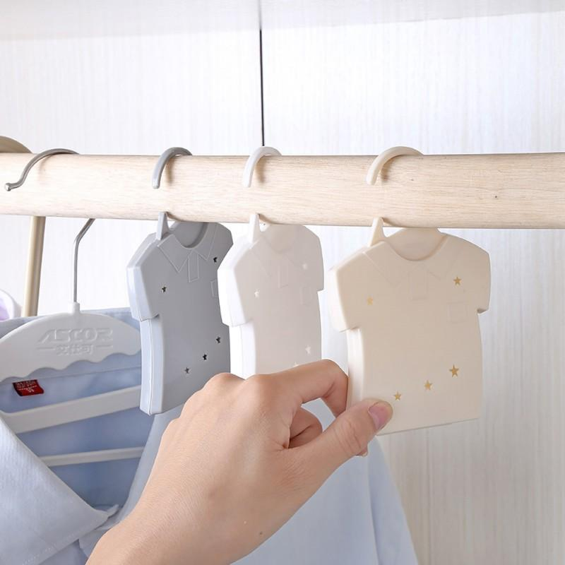 Creativa gabinete colgante del armario alcanfor bola anti-ácaros del moho Control de plagas de Spice Box