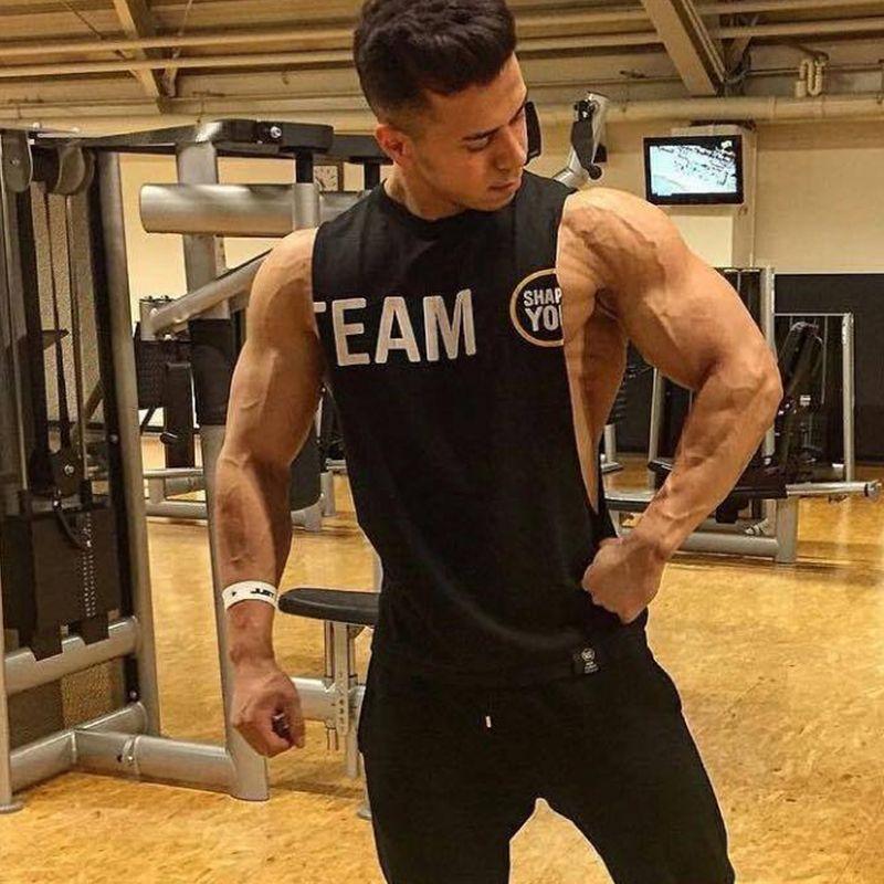 Mens 2018 verão novas academias de fitness musculação Regatas roupas de ginástica de algodão sem mangas masculina camisa Sling Vest camisola Y200509