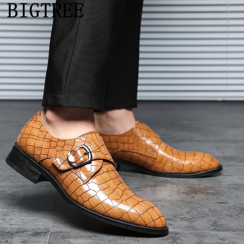 Gli uomini italiani scarpe da sera da sera in pelle scarpe da uomo vestito Coiffeur classico triangolo dimensione formale 48 buty