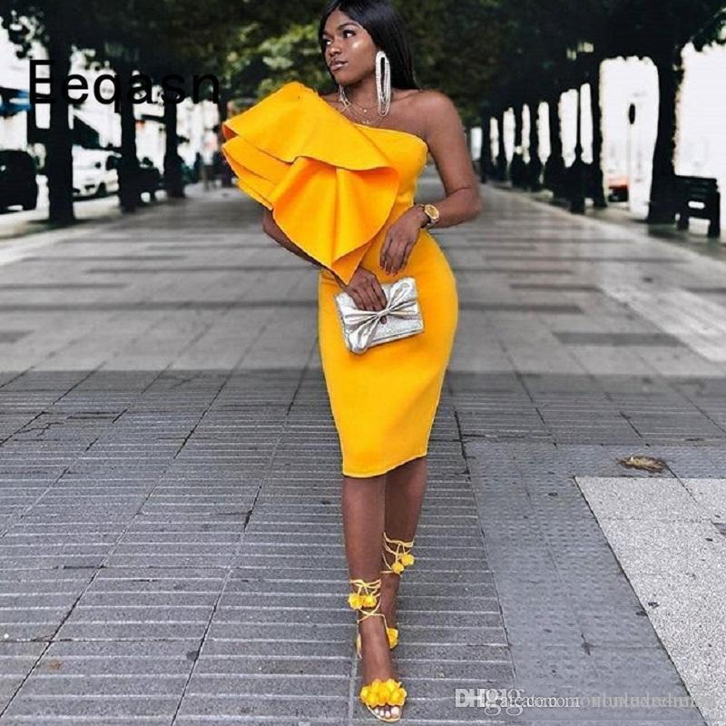 Helle gelbe Mantel Cocktailkleid-elegantes Schulter-Satin ruffle1Knee Länge nach Maß reizvolle kurze Ballkleider günstige südafrikanischer