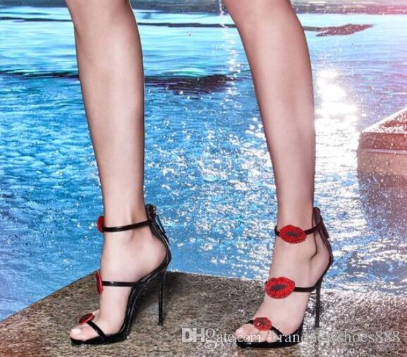 Lujo de cristal labios rojos de charol sandalias de tacón alto de tres bandas sandalias de tacón de aguja Sandalias de las mujeres del partido del verano