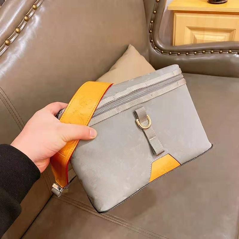 The New 2020 Ms Messenger Inclined Genuine Leather Handbag Silver Laser Single Shoulder Bag Bucket Woman Purses A Designer Shoulder Bag