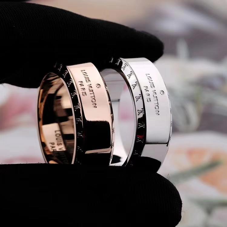 Di alta qualità d'acciaio di titanio Ring Top Luxury Design anello personalità semplice per la coppia l'anello di modo Accessori di alimentazione