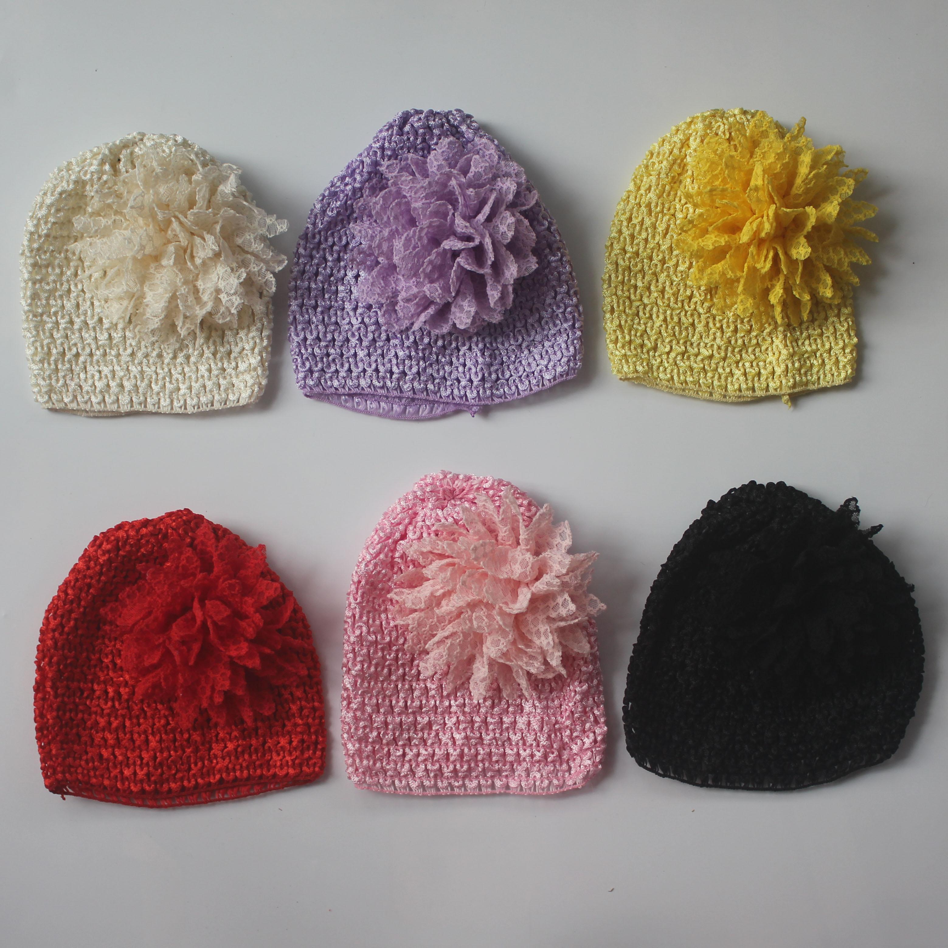 50pcs chapeau crochet élastique tricot avec 10cm fleur de tissu de dentelle à plusieurs couches pour bébés filles Couvre-chef fournitures