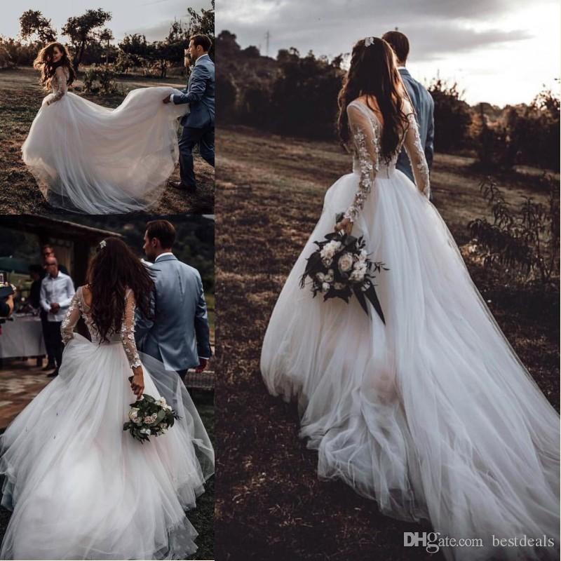 2019 Style de campagne Boho Robes de mariée V cou manches longues Dentelle Tulle Beach Robes de mariée Plus Taille Custom Custom