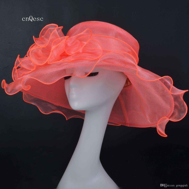 2019 Korallenrosa Organza Hut mit breiter Krempe Netzhut Damen-Anzughut für die Kentucky-Derby-Kirchehochzeitsrennenparty