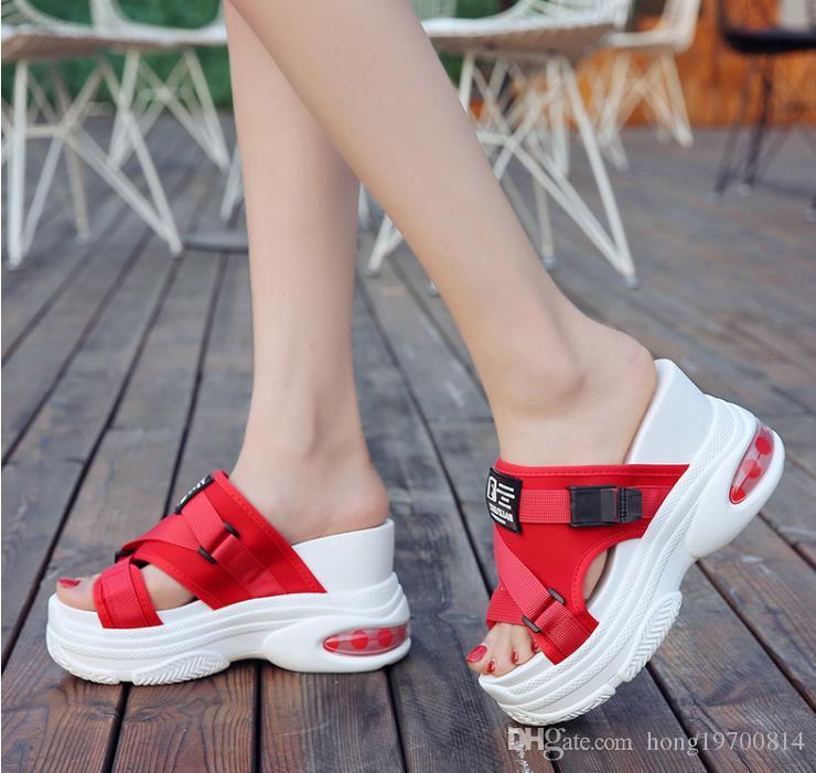 mujeres del verano de la cuña zapatillas flip flops moda las mujeres planas de los deslizadores de las mujeres sandalias de tacón peep toe plana señoras ahueca hacia fuera flip-flop