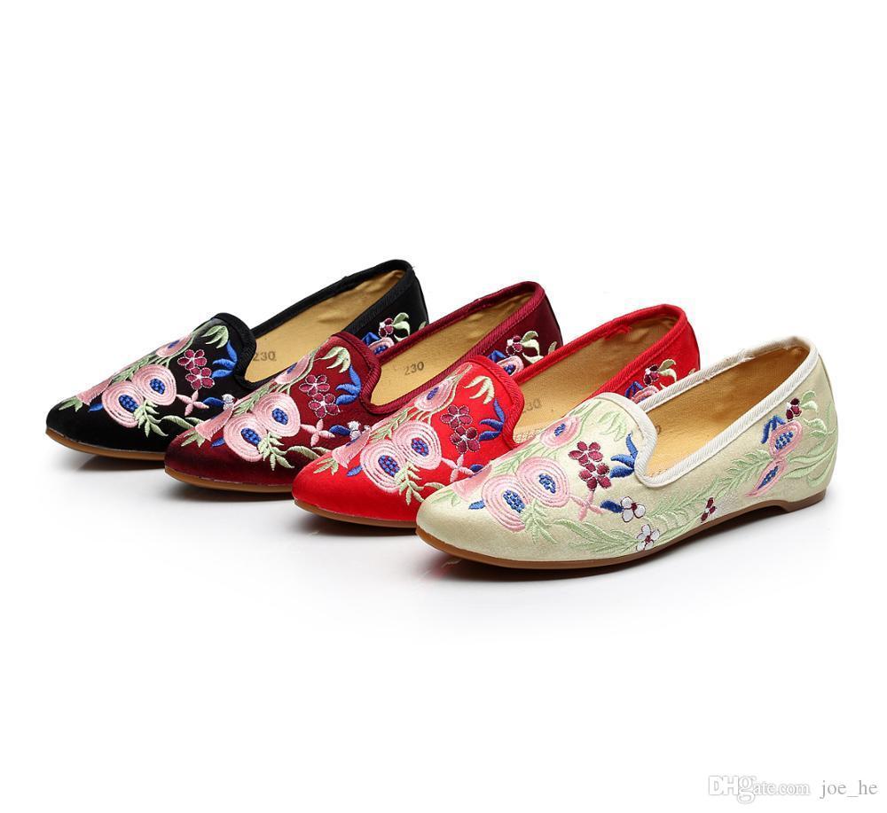 Scarpe di vendita calda-Donne Appartamenti cinese tradizionale piattaforma nazionale ricamato scarpe a punta le dita dei piedi Slip-On TPR causale signore Xuan Wu