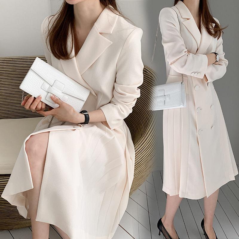 Vestido plissado Feminino Longo Primavera Outono Temperamento Hetero Blazer Branco / Preto terno de mangas compridas Jacket Lady Escritório r1123 Brasão