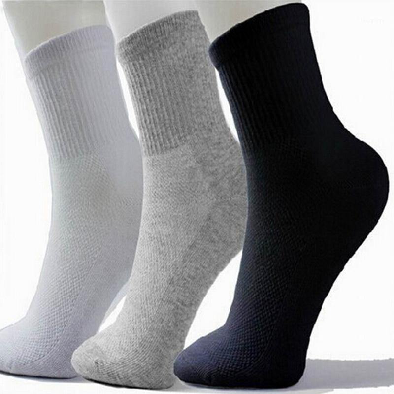 Los hombres calientes del Athletic calcetines de deporte Baloncesto largo calcetines de algodón Hombre Primavera Verano corriente fresca de Soild malla calcetines para todo el tamaño libre shipping1