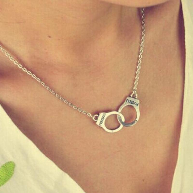 Haufen hängende Halsketten HOT Handcuff Anhänger Halskette für Frauen Männer Steampunk Mode Schmuck Geliebten Collares FREIHEIT Valentinstag Gif ...