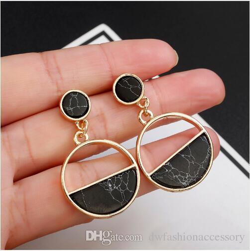 2019 New Fashion Stud Earrings Black White Stone Geometric Earrings Round Triangle Design Punk Ear Jewelry Brincos