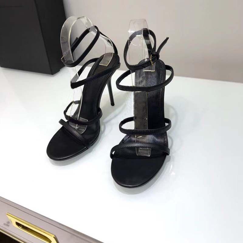 Özel tasarım Lüks tasarımcı metal şerit içinde En kaliteli süet Siyah Rugan Thrill Topuk Kadın Tribute Deri Sandalet Pompalar.