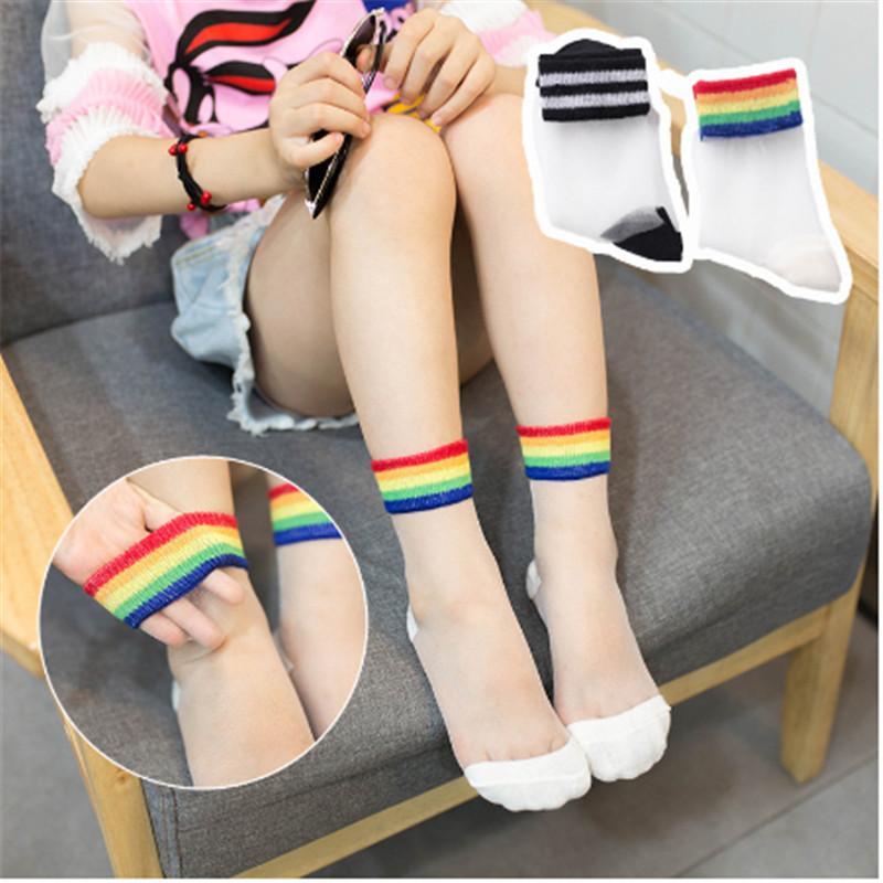 Sommer-Mädchen-reizender Regenbogen-gestreifte Socken Kristall Silk transparente Socken-Kind-Kind-Mädchen-Ultradünnes Elastic