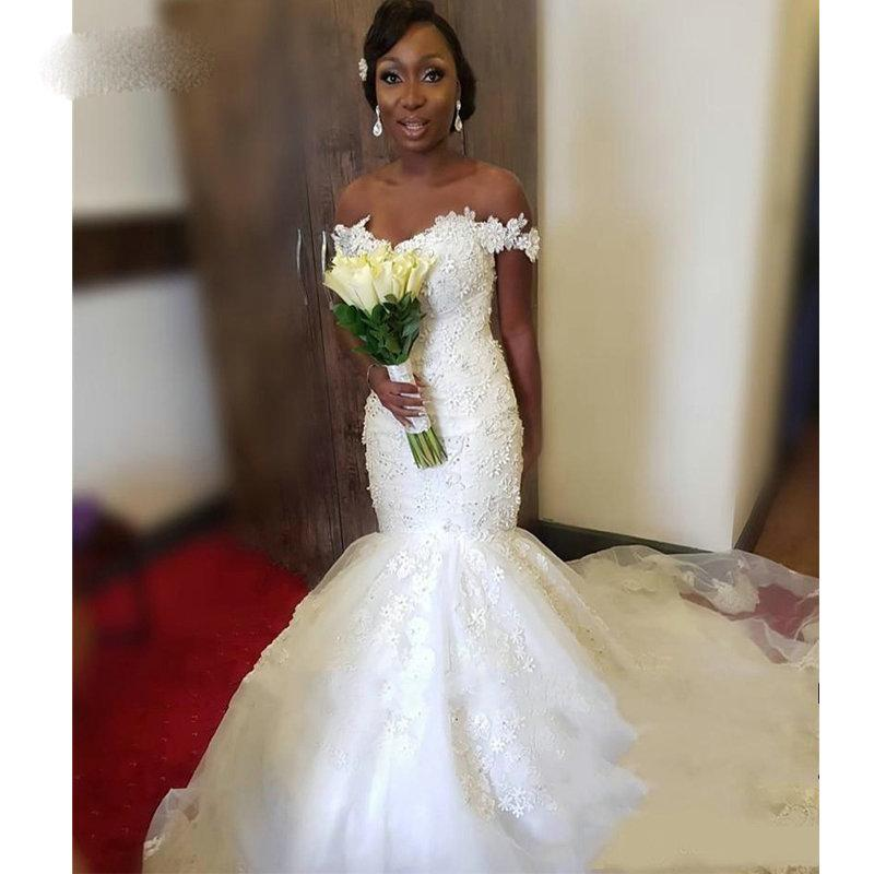 Charmante Sirène Robes de mariée africaine à l'épaule Vintage en dentelle 3D Floral Filles Nigéria Pays Arabe Pays Plus