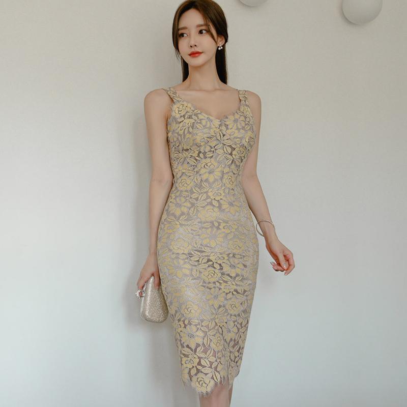 Sommer Spaghettiträger-Frauen-Kleid Elegante Blumenspitze Backless figurbetontes Kleid Partei Vestidos Femme 2020 Neue Knie-Länge