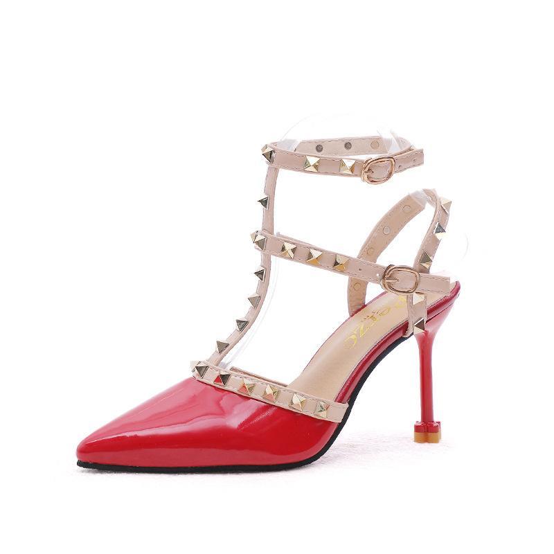 clássico das mulheres sandália atacado sandálias de salto alto 2019 nova primavera sapatos rebite pontas sandália mulheres salto fino alto fivela sandálias romanas