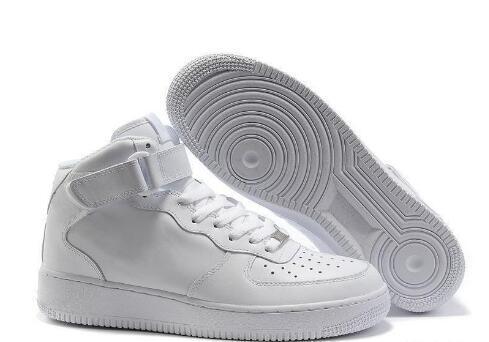 2020 Лучшие качества Мужчины Женщины Высокий и низкий белый черный Повседневная обувь Скидка спортивной обуви с коробкой 07