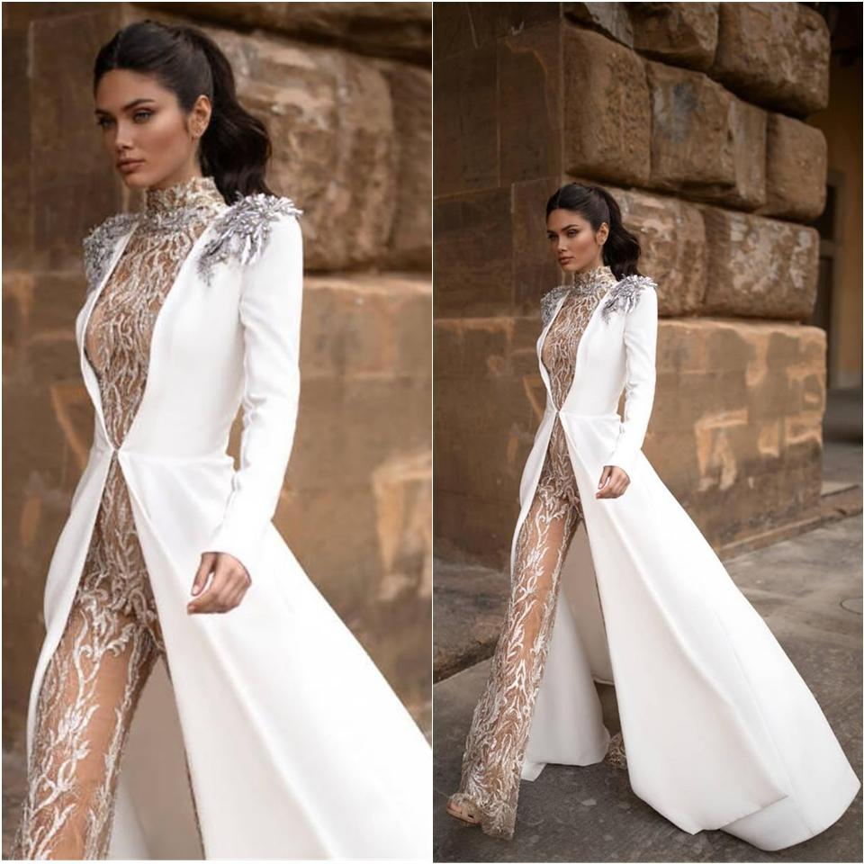 New Hochzeit Jumpsuits mit langen Jacken-Ansatz-Spitze Appliqued Korn Spitze Brautkleid Sweep Zug Illusion Strand Brautkleider Mi Kleid