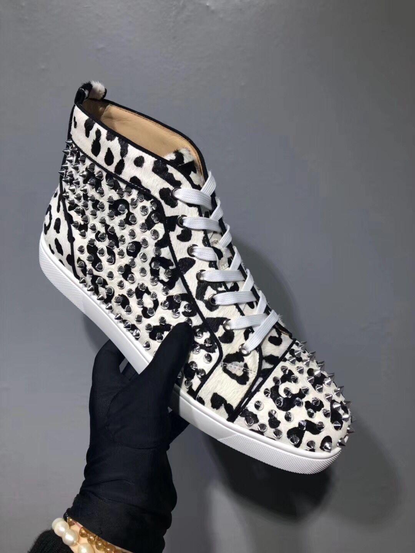 Toz Torbalı Dikenler Günlük Ayakkabılar Marka Tasarımcı Sneakers Kırmızı Alt Yüksek Kesim Tırnaklı Flats Ayakkabıları ile Spor Siyah + Beyaz Deri