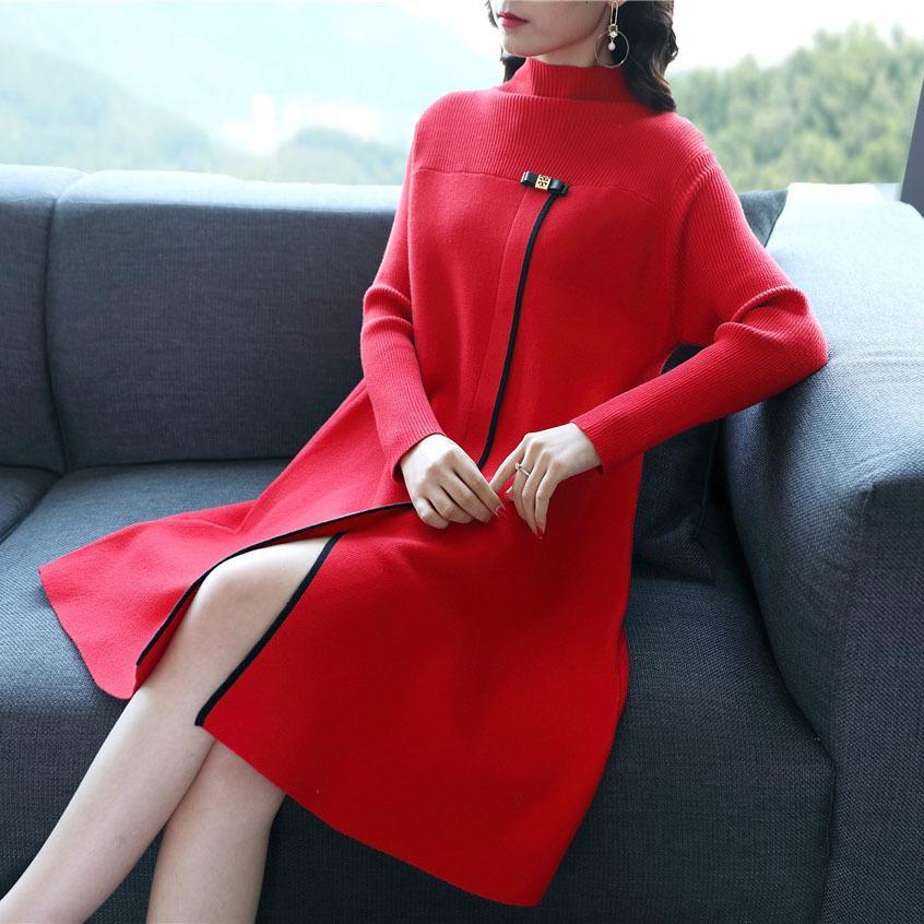 2018 جديد أزياء الخريف والشتاء المرأة طويلة الأكمام محبوك سترة اللباس الياقة الصينية نمط سبليت الجانبية الأحمر فساتين Y19053001