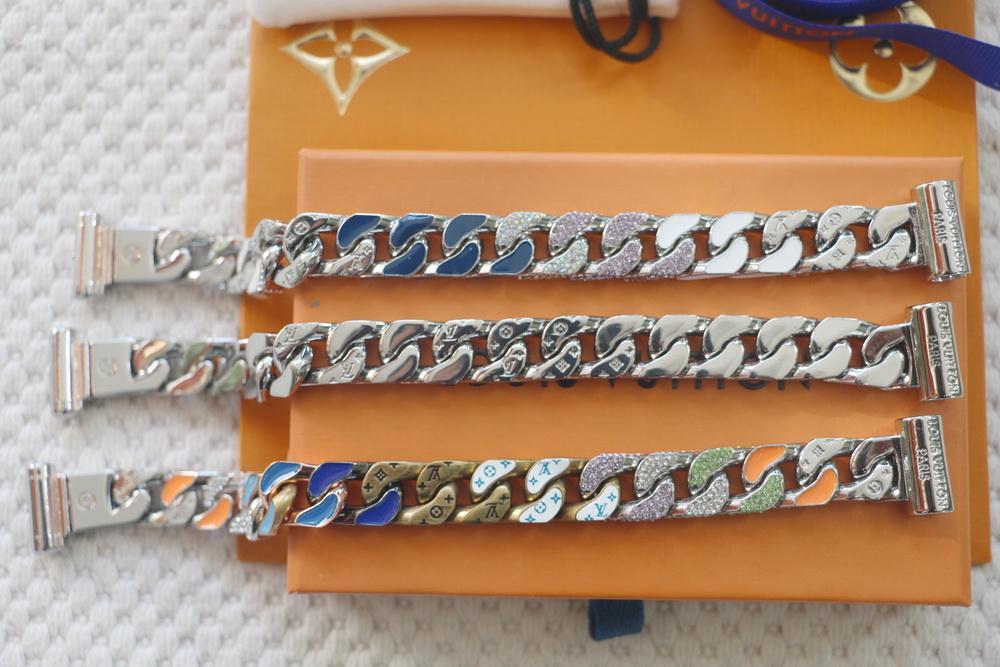 Neu kommen Art und Weise der neuen Männer Titanstahl 316L gravieren Vier Blatt Blume Farbige Emaille Gold 18K Thick Kettenglieder Patches Armbänder Ankommen