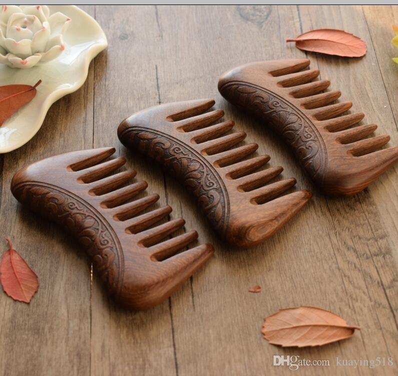 Neuer Taschen-Holzkamm Naturgold Sandelholz Super Wide Tooth Wood Combs Doppelseitig gravierte kleine Haarkämme