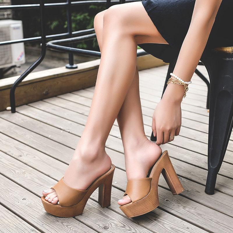 2019 nuove signore arco sandali due indossare i tacchi alti scivolare porta vento sandali spessi selvatici