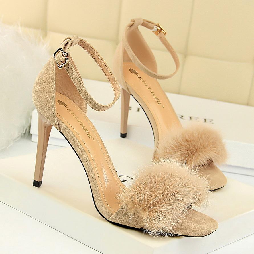 Sexy2019 217-8 Korean Banquet Women's Shoes Fine With Down Noodles Baby One Word Bring Rabbit's Hair Woman Sandals