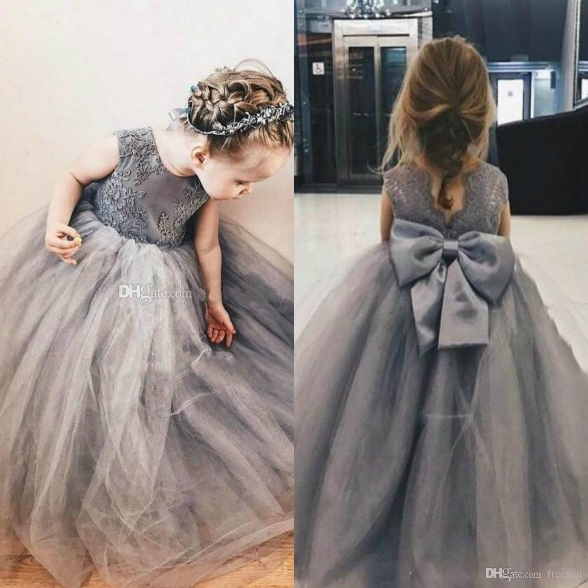 Grey Flower Girl Dresses Jewel Neck Sleeveless Appliqued Ruffle V Back Bow Fluffy Girl Pageant Gowns Custom Made Birthday Gown