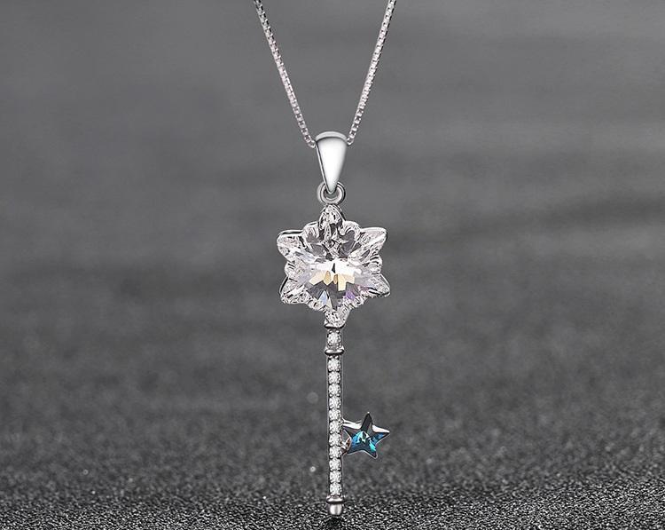 giorno superiore regalo di qualità S925 argento cristallo di San Valentino Cubic Zirconia ciondolo collane gioielli in forma chiave strass girocollo DDS0289