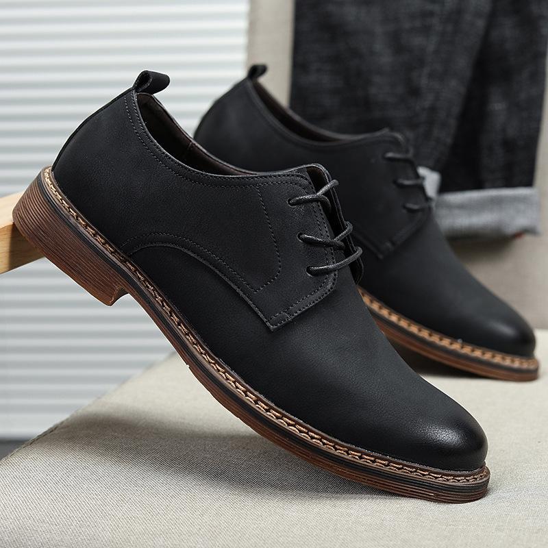 Erkekler Artı boyutu Black Men Ayakkabı Dans Parti Elbise Ayakkabı Rugan Sivri Burun Töreni Düğün Ayakkabı