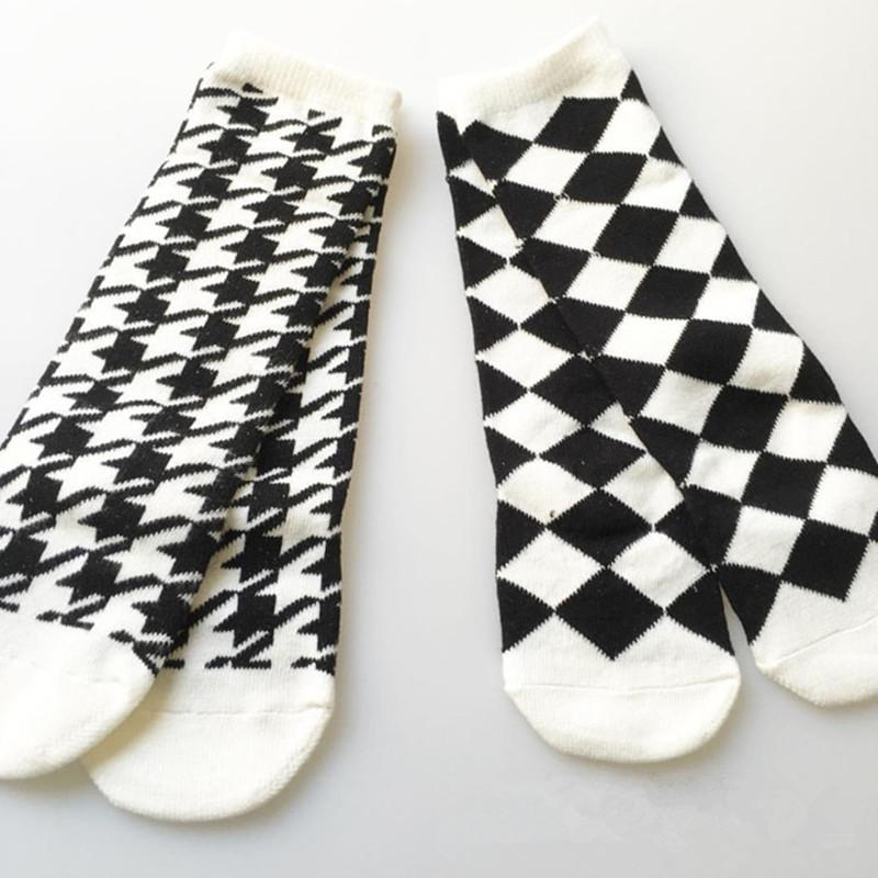 Mens athletic low cut Ankle sock Plaid printing Woven bag plaid pattern red Non-Slip Comfort Short Sock