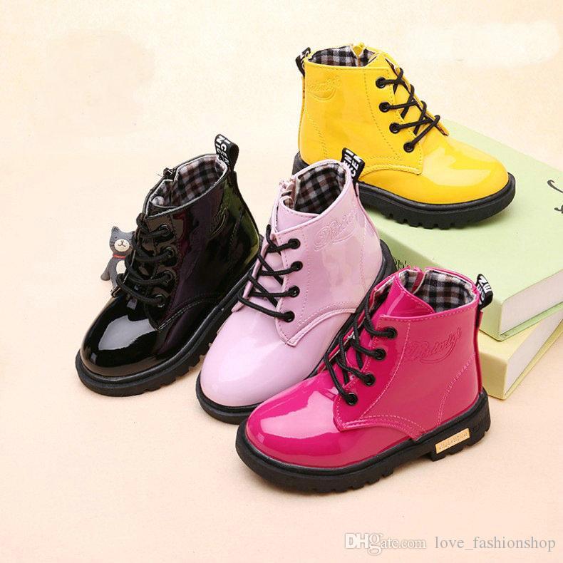 Perakende Yüksek çocuklar tasarımcı çizme kızlar Sonbahar Kış artı kadife sıcak Deri Kar Boots Çocuk bebek erkek kız Lüks ayakkabı