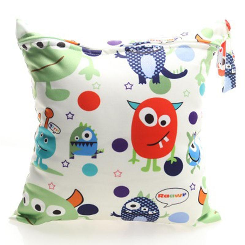 5 Print Cartoon Animals Pattern Mummy Bag Baby Single Zipper Diaper Waterproof Reusable Wet Bag 28*30 Mini Size Kids Diapers