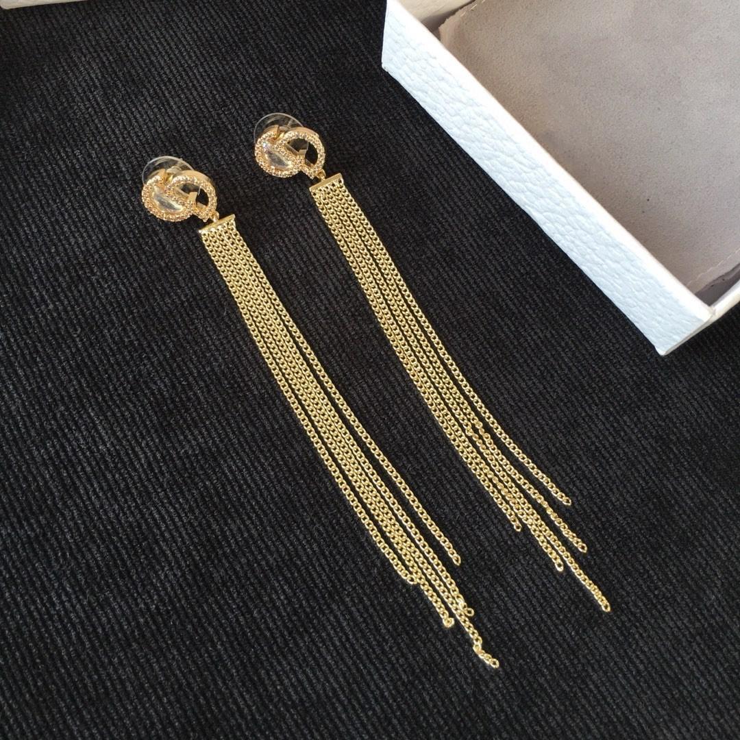 Explosión clásica del alfabeto mujeres borla joyas pendientes de diseño de diseño de lujo salvajes pendientes